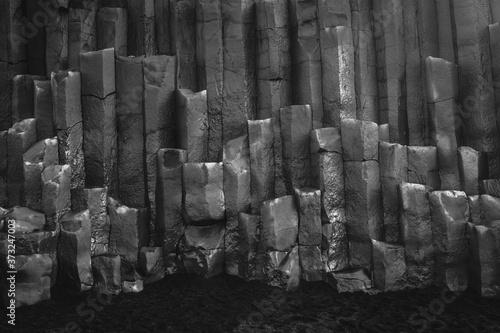 Obraz na plátně Grayscale shot of basalt columns