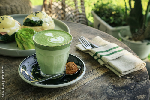 Tablou Canvas Matcha latte with latte art on top