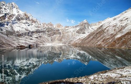 Slika na platnu Dudh pokhari Gokyo lake, Phari Lapche peak, Renjo pass
