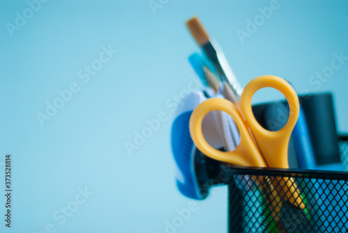 School supplies in an organizer for pencils and pens Slika na platnu
