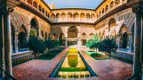 Obraz Beautiful shot of Royal Alcazar in Seville Spain - fototapety do salonu