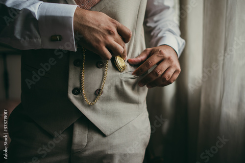 Foto Elegant man with suit