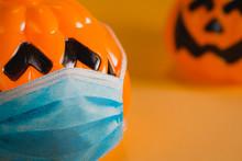 Halloween Pumpkins Keeping Soc...