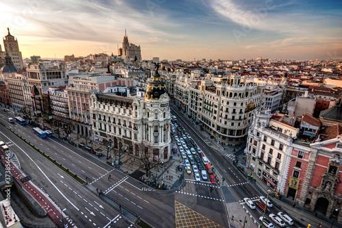 Metropolis Building with a nice sunset in Madrid Fotobehang