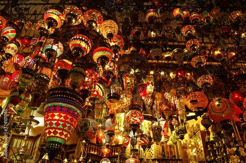 Fotografie, Obraz Lamparas de colores.Gran bazar.Estambul.Turquia.