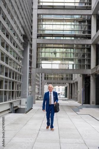 Photographie activités d'un homme âgé