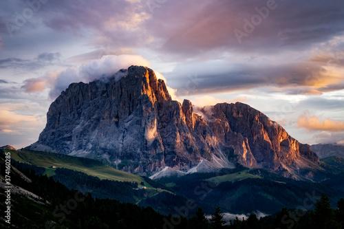 Valokuva Sassolungo al tramonto
