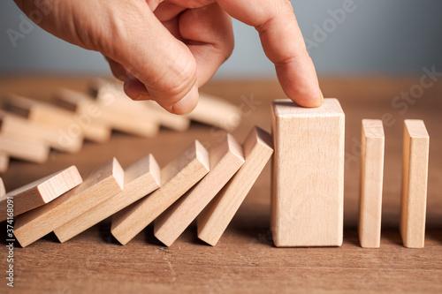 Fototapeta Thick Domino Stop Falling
