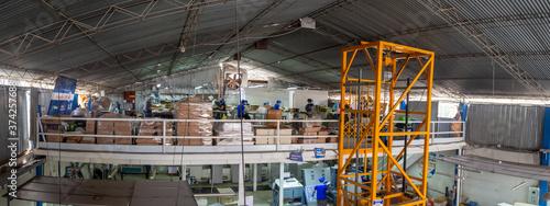 Fotografia panoramica del segundo piso de una fábrica de imprenta Tableau sur Toile