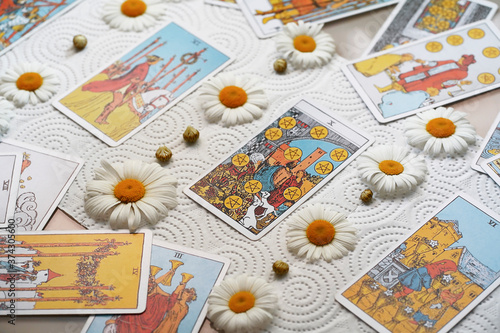 Blurred tarot cards with chamomile, fortune telling, esoteric Canvas-taulu