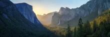 Sunrise At The Tunnel View In Yosemite Nationalpark, California, Usa