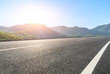 Rua Estrada Montanhas E Sol Ro...