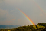 Fototapeta Tęcza - tęcza po deszczu w górach