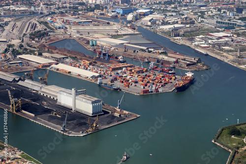 Photo Hafengelände von Venedig, Maghera, Mestre