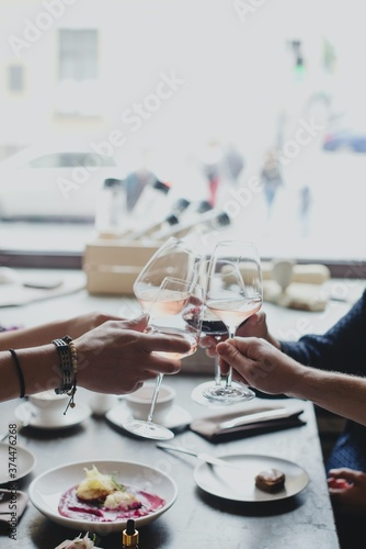 Obraz table setting in a restaurant - fototapety do salonu