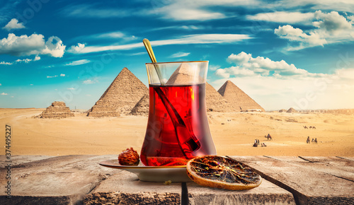 Fotografering Tea and pyramids