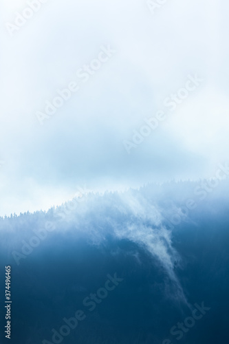 Obraz frog into the valley with clouds  - fototapety do salonu