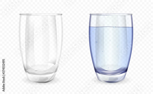 Fotografia Transparent glass or cup shown filled with water and empty over a transparent ba