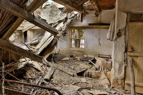 Fotografie, Obraz Derelict house with collapsed roof