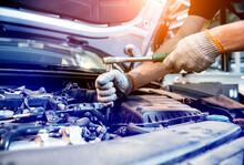 Car Mechanic Repair Engine At ...