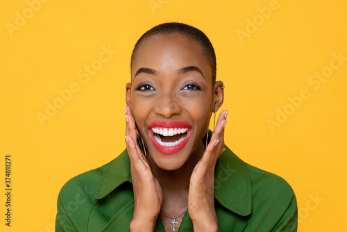 Foto Fun close up portrait of Happy African American woman laughing with open palms i