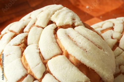 Detalle de pan dulce tradicional mexicano llamado Concha, Close up de pan dulce Concha mexicana
