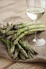 Food: Green Asparagus Bundles
