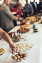 People Feasts