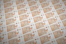 10 British Pounds Bills Printe...