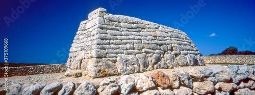 Naveta des Tudons, construcción megalítica funeraria.Ciutadella.Menorca.Reserva de la Bioesfera.Illes Balears.España.