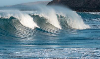 Background. Paisaje marino con fuerte oleaje en la costa de Gran Canaria. Islas Canarias. 3