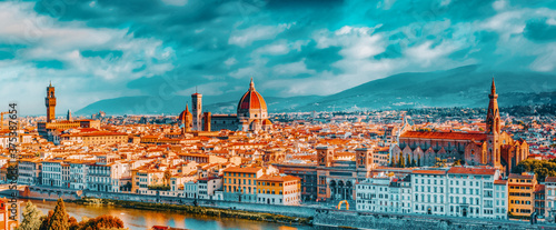 Fotografia Beautiful landscape above, panorama on historical view of the Florence from  Piazzale Michelangelo point