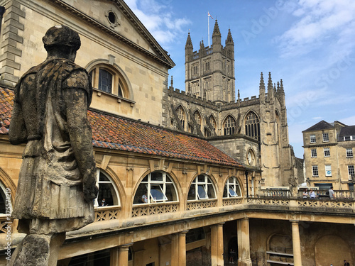 Photo Bath Abbey viewed from the Roman Baths, in the centre of Bath, Somerset