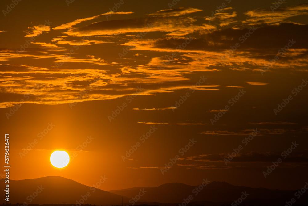krajobraz zachód słońca niebo chmury góry lato słońce