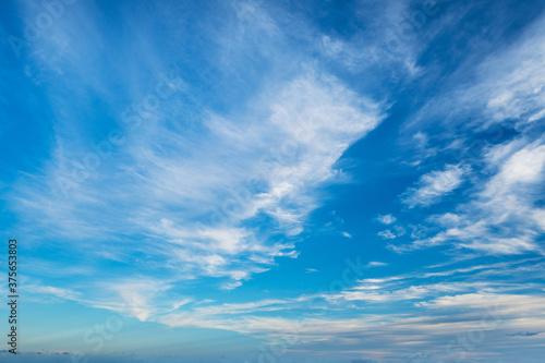 空(たなびく雲)