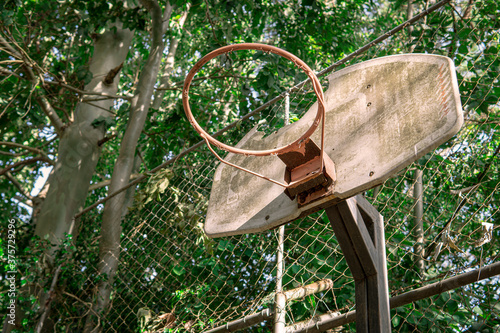 Photo old basketball hoop