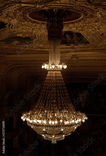 Fotografia, Obraz giant luxury chandelier in the opera house