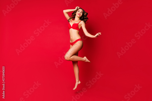 Foto Full length photo of pretty charming trend fit figure naked elegant foreplay gor