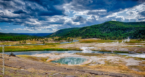 Fotografie, Tablou old faithful geyser in yeallowstone national park