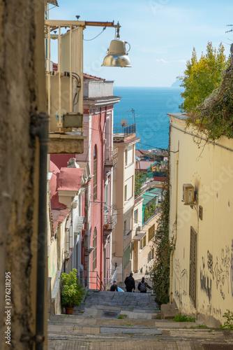 Carta da parati Steep street in Naples