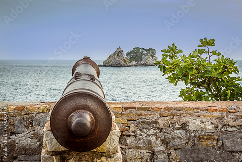 View seaward following the line of a cannon on the ramparts of the old Venetian Tapéta, Fotótapéta
