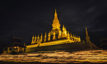 Pha That Luang Is A Gold-cover...