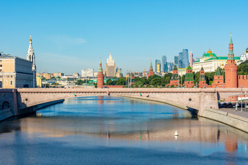 Bolshoy Moskvoretsky Bridge over Moskva river, Moscow, Russia