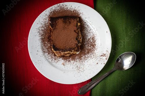 Fotografie, Obraz Tiramisù, tradicional doce italiano feito com mascarpone, biscoito e pó de chocolate