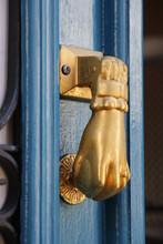 Door Handle In The Form Of A H...
