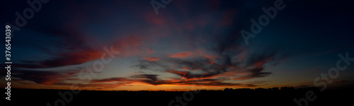 Fotografiet A bright and beautiful sunset