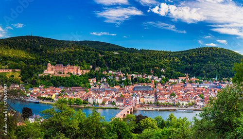 Fototapeta Landmark and beautiful Heidelberg town with Neckar river, Germany. Heidelberg town with the famous Karl Theodor old bridge and Heidelberg castle, Heidelberg, Germany. obraz na płótnie