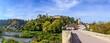 Leinwanddruck Bild - Idyllischer Herbstmorgen am Harburger Schloss