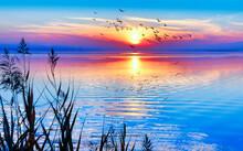 Colorido Amanecer En El Mar Mediterrano