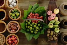 Fresh Fruit Display, Floating ...